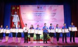 顺安市共青团:表彰24名实践胡伯伯教诲的先进青年模范