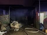 Cháy quán cà phê lan sang vựa phế liệu, nhiều người hoảng loạn bỏ chạy