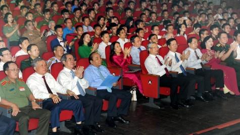 阮春福总理:继续建设和扩大先进模范的覆盖面和影响力