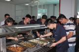 Chăm lo tốt bữa ăn  cho công nhân lao động