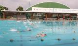 Gần 150 trẻ em có hoàn cảnh đặc biệt so tài bơi lội