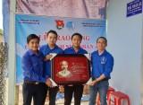 Phường đoàn Hiệp An, TP.Thủ Dầu Một: Trao tặng công trình nhà nhân ái cho thanh niên có hoàn cảnh khó khăn