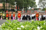 Provincial leaders offer incense to commemorate heroes, martyrs