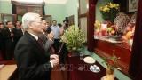 越共中央总书记、国家主席阮富仲上香缅怀胡志明主席