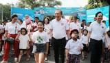 """Phó Thủ tướng Thường trực phát động toàn dân """"đội mũ bảo hiểm cho trẻ em"""""""