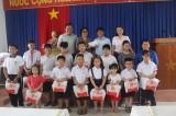 Giúp trẻ em nghèo, khuyết tật vui Tết Trung thu
