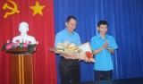 Tổng Liên đoàn Lao động Việt Nam trao quyết định luân chuyển cán bộ về Bình Dương