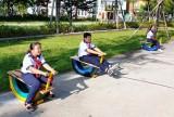 Thị đoàn Bến Cát: Lắp đặt công trình khu vui chơi thiếu nhi