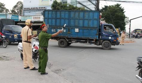 Kéo giảm tai nạn, ùn tắc giao thông: Thực hiện đồng bộ, quyết liệt các giải pháp