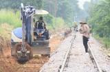 TX.Dĩ An: Triển khai giải pháp bảo đảm trật tự an toàn giao thông đường sắt