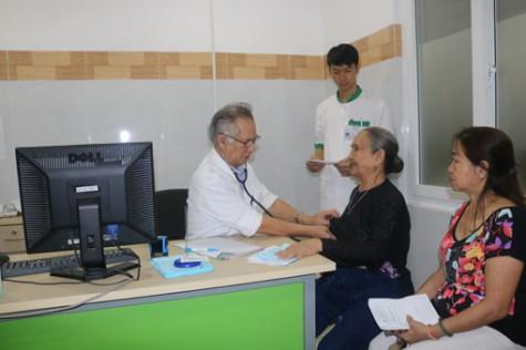 Hỗ trợ một phần chi phí khám, chữa bệnh cho người nghèo: Góp phần bảo đảm an sinh xã hội