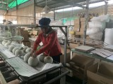 Phát triển kinh tế gắn với chăm lo đời sống nhân dân
