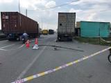 Cảnh báo tình trạng xe máy tông vào xe dừng đỗ bên đường