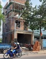 """""""Mập mờ"""" chỉ giới xây dựng trên đường Hồ Văn Cống"""