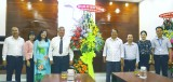 Lãnh đạo UBND tỉnh chúc mừng thầy, cô giáo nhân ngày 20-11