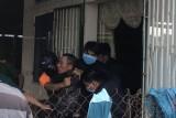 Khống chế đối tượng nghi ngáo đá cố thủ suốt 9 giờ trong nhà dân