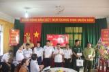Đoàn công tác các tỉnh, thành phía Nam: Thăm, tặng quà cán bộ, chiến sĩ đảo Hòn Khoai