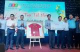 Đấu giá áo Đội tuyển bóng đá Việt Nam hỗ trợ người nghèo đón Tết