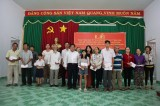 Provincial leaders pay gift visit to poor, policy beneficiary families in Bau Bang