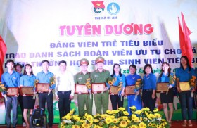 Binh Duong youth make accomplishments to celebrate the Party