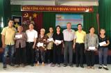Trung tâm điện máy Trung Thảo: Trao quà tết cho hộ nghèo