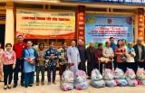 Tặng 450 phần quà tết cho người nghèo tỉnh Tây Ninh