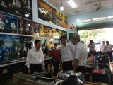 Provincial leaders survey Tuong Binh Hiep traditional lacquer craft village