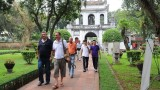 COVID-19:河内确保游客的安全和向游客提供援助