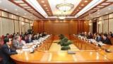 越共中央政治局就完善即将提交党的基层代表大会的越共十三大文件草案召开会议