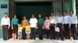 Xã Phước Sang, Huyện Phú Giáo: Trao nhà tình nghĩa cho 2 hộ gia đình có hoàn cảnh khó khăn
