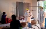 Việt Nam chống COVID-19: Bác sỹ, bệnh nhân kiên cường