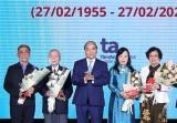 阮春福总理:医务人员们是疫情防抗阻击战一支坚强的冲锋队