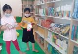 Đọc sách, báo để tăng cường kiến thức về phòng, chống dịch bệnh