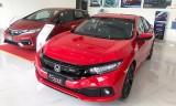 Honda Civic giảm 100 triệu đồng đẩy hàng tồn