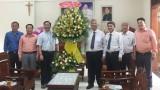 Lãnh đạo tỉnh thăm, chúc mừng Thánh lễ Giám mục Giáo phận Phú Cường