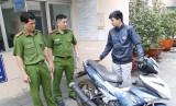 Công an trả lại xe máy bị trộm cho chủ nhân