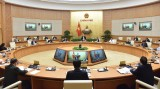 越南政府总理阮春福:最大限度阻止疫情达到峰值 不让疫情在社区扩大蔓延