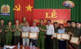 Phường Phú Thọ, TP.Thủ Dầu Một: Khen thưởng nhiều cá nhân có thành tích phối hợp bắt tội phạm