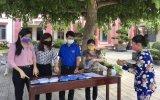Xã Tân Định, huyện Bắc Tân Uyên: Phát khẩu trang miễn phí phòng chống dịch Covid-19