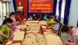 Các cấp Hội Phụ nữ Dầu Tiếng: Phát miễn phí hàng chục ngàn khẩu trang và nước rửa tay