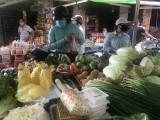 Chợ, siêu thị hoạt động bình thường, hàng hóa phong phú, giá cả ổn định