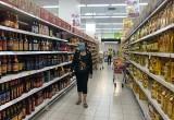 Chợ, siêu thị hàng hóa phong phú, giá cả ổn định