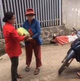 Hội Chữ thập đỏ phường Bình Thắng (TP.Dĩ An): Tặng gạo cho 21 hộ khó khăn trên địa bàn