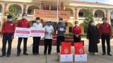 Tặng quà cho 128 hộ nghèo, cận nghèo phường Phú Thọ, TP.Thủ Dầu Một bị ảnh hưởng bởi dịch Covid-19
