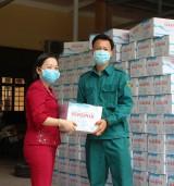 TP.Thủ Dầu Một: Trao quà từ thiện đến người khó khăn do dịch Covid- 19
