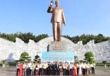 Các địa phương dâng hương, hoa tưởng nhớ Chủ tịch Hồ Chí Minh