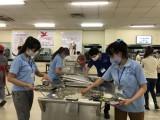 Bếp ăn tập thể tại doanh nghiệp: Chú trọng vệ sinh an toàn thực phẩm