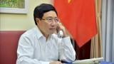 越南政府副总理兼外交部部长范平明同爱尔兰政府副总理兼外交部部长通电话