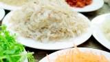 越南广宁省明州岛乡的美食:水母沙拉