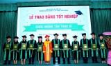 Trường Đại học Kinh tế - Kỹ thuật: 211 tân thạc sĩ, cử nhân và kỹ thuật viên nhận bằng tốt nghiệp